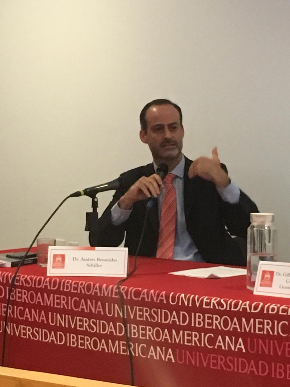 conferencia U. Iberoamericana foto 2